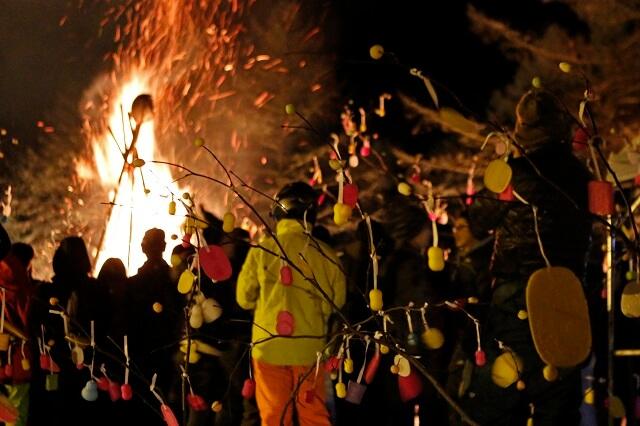 「2019火祭り」たいまつ滑走・どんど焼き・打ち上げ花火-土曜開催-[斑尾高原スキー場]