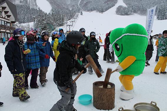 餅つき&スクール祭「スキーの日特別イベント」-土曜開催-[野沢温泉スキー場]