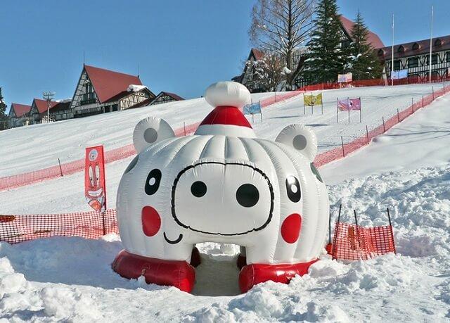 雪の楽しさを満喫!雪のゆうえんち「キッズパラダイス」【上越国際スキー場】