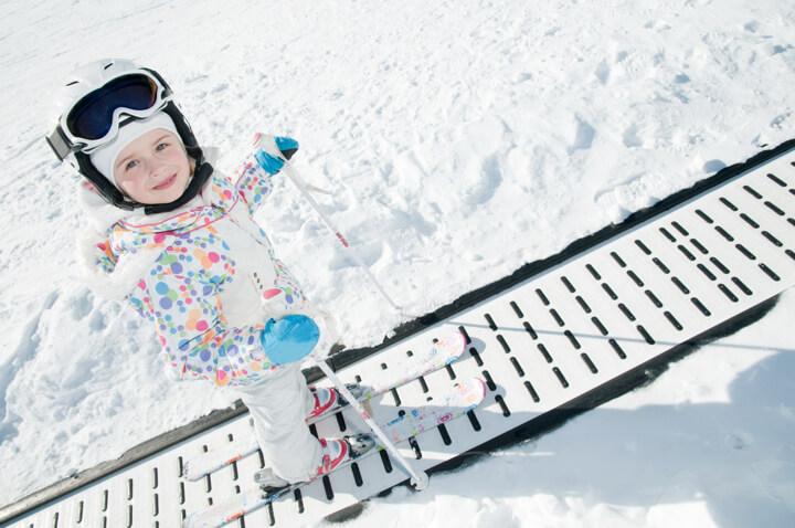 子どもと雪との戯れ スキー・スノボーだけにとらわれない!のイメージ