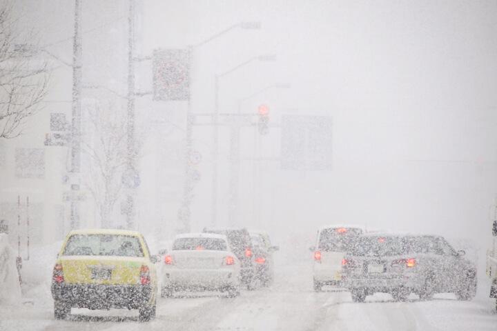 雪道で起こり得る危険〜マイカー、車での移動は万全を期してゲレンデへのイメージ