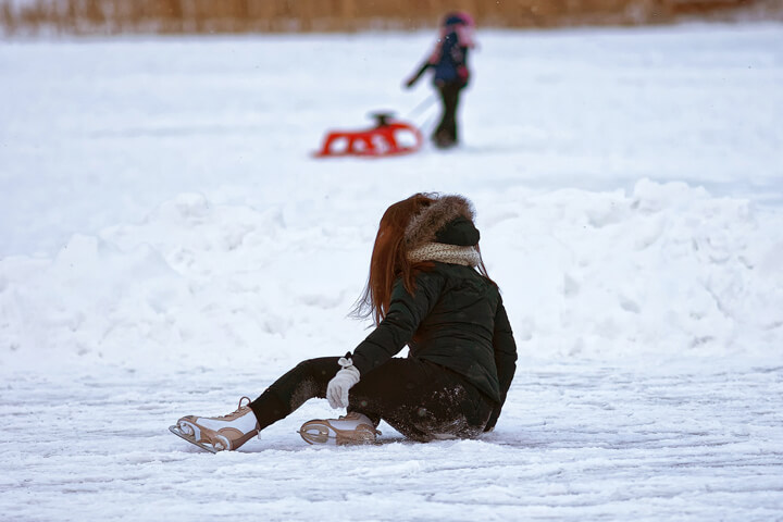 ゲレンデで子どもが怪我をしたら?状況別の最適対処法のイメージ