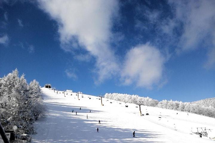 春スキーを堪能!3月でもたっぷり滑れる積雪豊富なゲレンデ・スキー場はココ!のイメージ