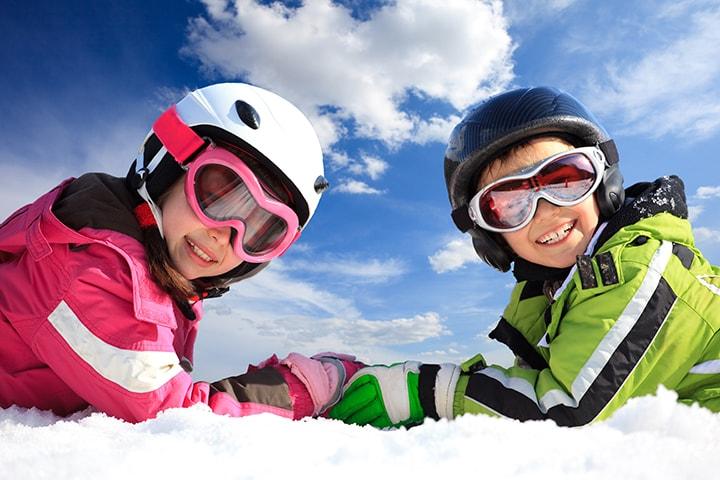 家族とスキー、雪の里では「民宿」を選びたいのイメージ