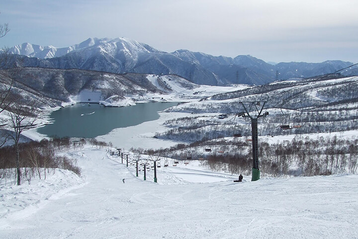 かぐらスキー場現地レポート!3エリア23コースを誇る新潟のビッグゲレンデのイメージ