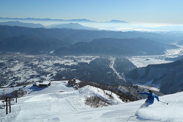 白馬八方尾根スキー場現地レポート!最高の雪質&絶景と多彩な中・上級者コースが魅力!のイメージ