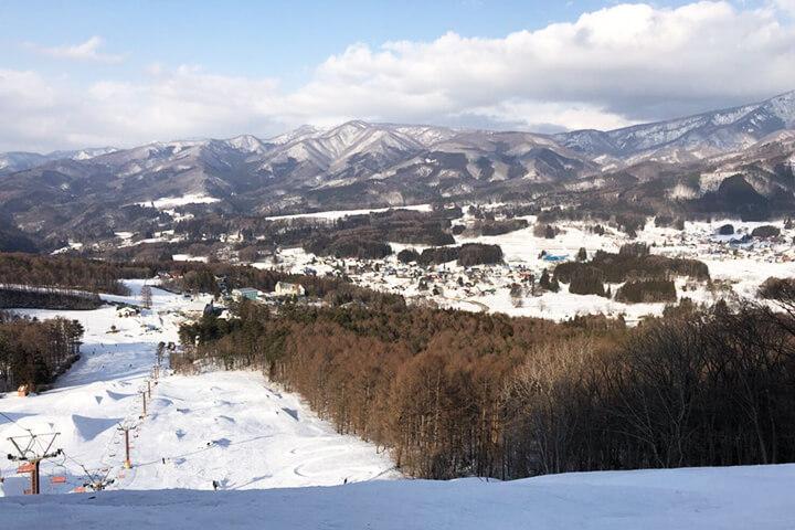 X-JAM高井富士&よませ温泉スキー場現地レポート!47のパークアイテムと初級者コースが揃ったゲレンデ!のイメージ