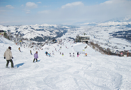 新宿朝発<石打丸山スキー場>リフト券付き 日帰りバスプラン