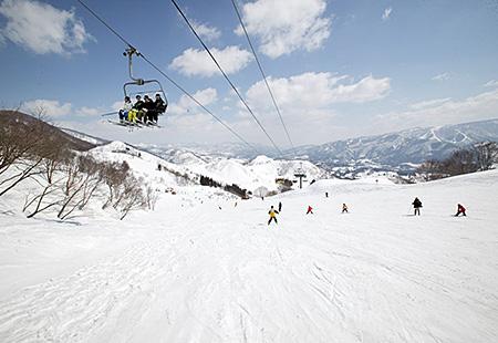 新宿夜発<戸狩温泉スキー場>リフト券付き・なしが選べる 日帰りバスプラン