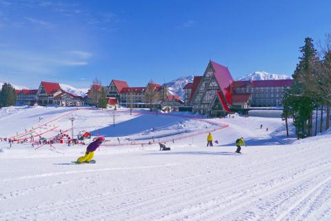 <上越国際スキー場>グリーンプラザ上越 ヨーロピアンヒットプラン
