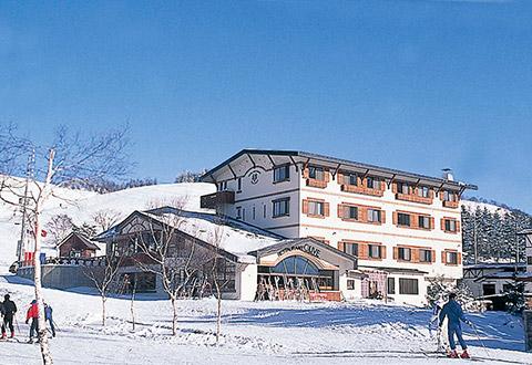 【宿おまかせ/マイカー】スーパープライス菅平高原(ホテル・旅館クラス)1泊<リフト券チョイス+レンタル付>の画像1