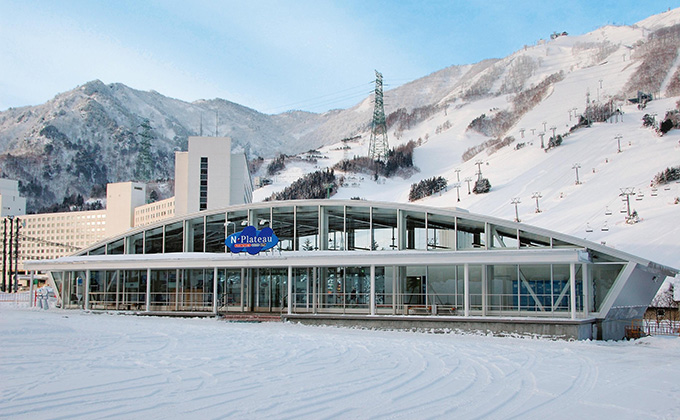 越後 湯沢 スキー 場 積雪